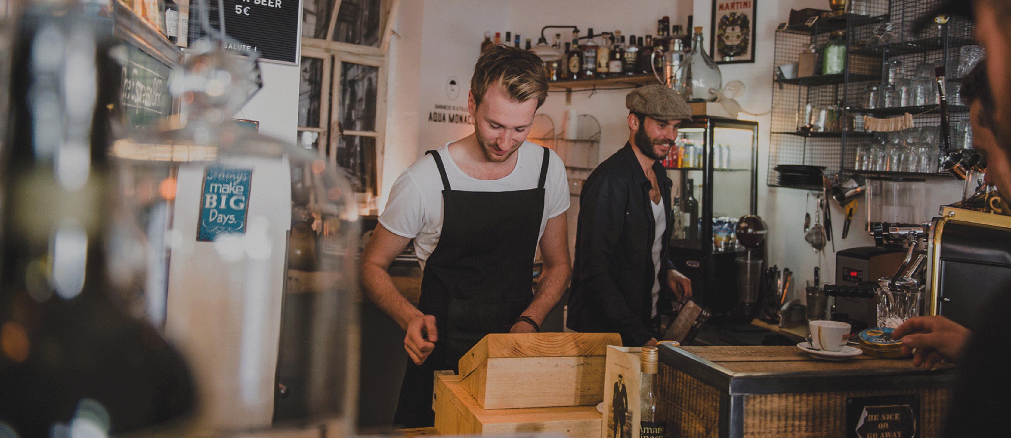 die Gründer der Espresso Bar bei der Arbeit