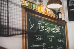 Espresso Bar Kreidetafel mit Angeboten